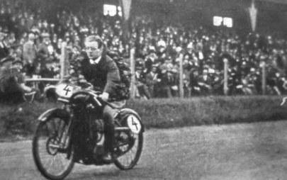 Преди 100 години: Opel печели стартовото състезание на Avus