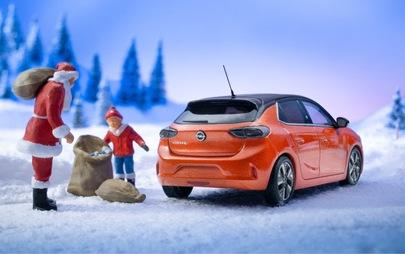 Новият Opel Corsa-e осигурява светли Коледни празници